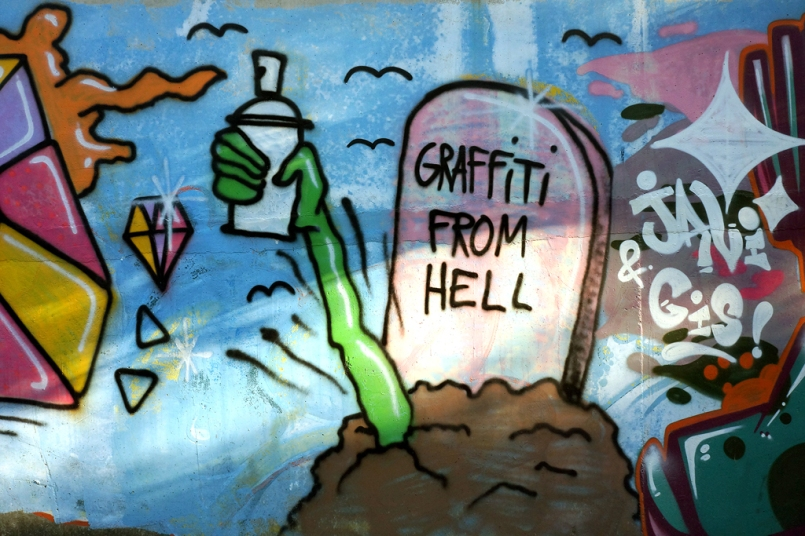 Graffiti from Hell (mid-autumn-graffiti-09153)